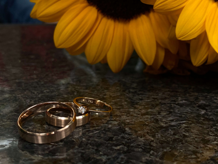 Different metals used in wedding and engagement ring