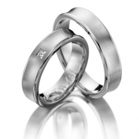 Platinum Diamond and plain Wedding Ring Set
