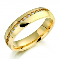 Ladies 18ct Yellow Gold Claw Set Channel Diamond Wedding Band