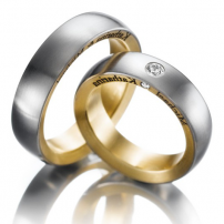 9ct Two-Colour Gold Wedding Ring Set
