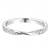 Platinum French Kiss Style Setting Twist Ring