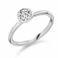 Platinum Single Stone Brilliant Cut Round Diamond Engagement Ring